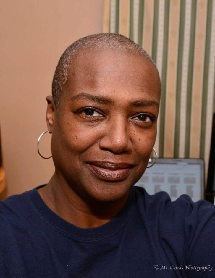 Donna Davis Headshot